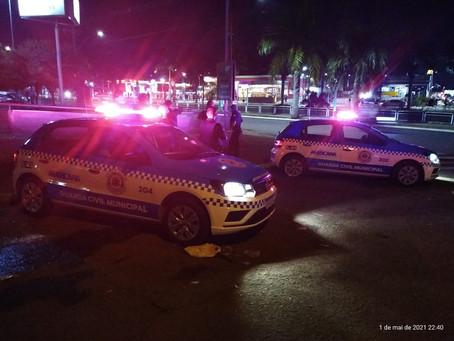 Guardas Municipais de Americana são atacados com pedras e garrafas na Avenida Brasil