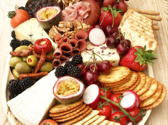 Cheese and Charcuterie (Medium)