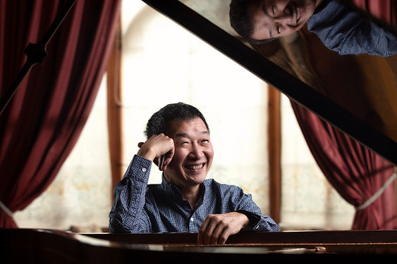 """Melvyn Tan has established his international reputation in the 1980s with pioneering performances on fortepiano and continues to cast fresh light on music conceived for the piano's early and modern forms.  Tan's work as recitalist, chamber musician and concerto soloist has been heard at many of the world's leading concert halls, from the Amsterdam Concertgebouw, Vienna Konzerthaus AMUZ in Belgium, London's Wigmore Hall and Royal Festival Hall and New York's Lincoln Center, and at major festivals including Salzburg, Edinburgh, La Roque d'Anthéron as well as Bath's Mozartfest, City of London festival and Hatfield House Chamber Music Festival.  As a concerto soloist Tan has performed with such prestigious ensembles as the London Philharmonic Orchestra, the Academy of St Martin's in the Fields, the Hong Kong Philharmonic Orchestra, the Royal Liverpool Philharmonic Orchestra, Stuttgart Radio Symphony Orchestra, Salzburg's Camerata and Mozarteum orchestras, Bruckner Orchester Linz, Melbourne Symphony, Singapore Symphony Orchestra, London Chamber Orchestra, and Australian Chamber Orchestra.  Recent and forthcoming appearances include performances with MDR Leipzig Radio Symphony Orchestra and Dennis Russell Davies, the Orchester Wiener Akademie in Vienna, a return to Wigmore Hall and St Martin in the Fields, National Gallery Singapore, a Beethoven Marathon in Belgium, Hatfield House Chamber Music Festival, Oundle International Festival, South Downs Summer Music Festival, as well as recitals/tours in Singapore, France, Italy and South Africa. Regularly appearing in venues across the UK his recent Wigmore Hall performance as part of Kevin Volan's 70th Birthday celebrations was described by The Telegraph as a """"triumph for him as much as Volans"""". Melvyn was privileged to perform as part of the Wigmore Hall and Radio 3 special series of concerts, livestreamed during the COVID-19 pandemic with cellist Guy Johnston. With violinist Paul Boucher, he has also continued his role in de"""