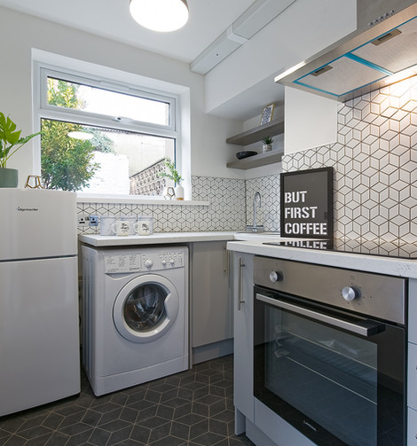 6 kitchen .jpg