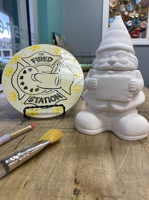 gnome with sign  jar