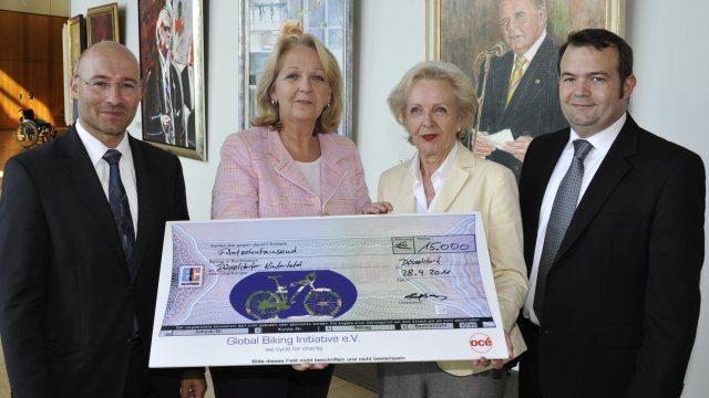 GBI 2011 Spendenscheck Kraft Kindertafel
