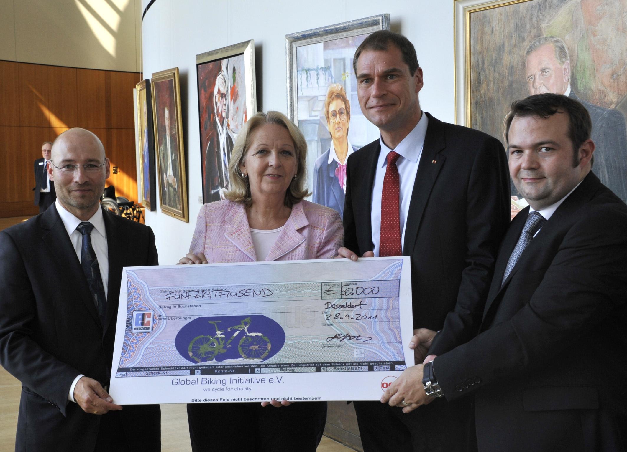 GBI 2011 Spendenscheck Kraft Seidel http