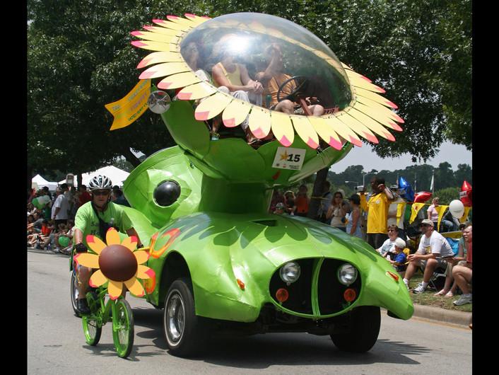 Sunflower-Car-FA-Parade-1280x960.jpeg