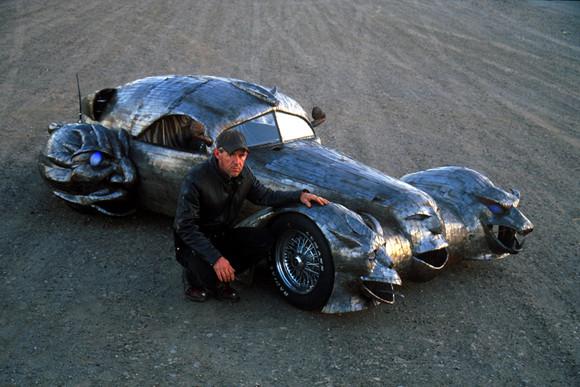 The_Phantom_art_car_W.T.-Burge_02.jpg