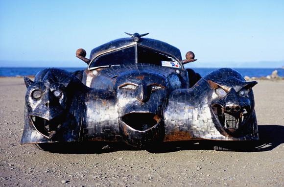 The_Phantom_art_car_W.T.-Burge_04.jpg
