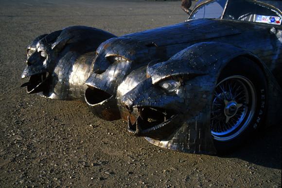 The_Phantom_art_car_W.T.-Burge_03.jpg