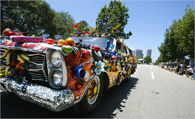 21artcar-fruitmobile.jpeg