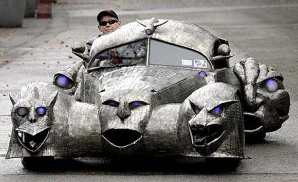The_Phantom_art_car_W.T.-Burge_05.jpg
