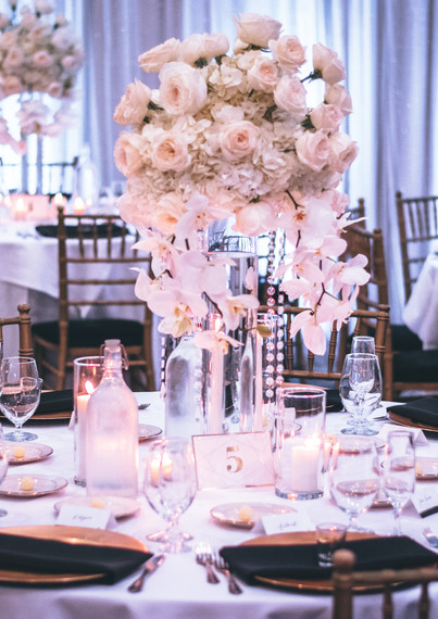 banquets-candlelights-chairs-1616113.jpg