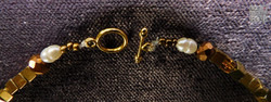 Collier_Hämatit_gold,_Perlen,_Mondstein
