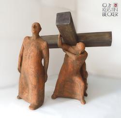 DIE AUFRICHTUNG, Terrakotta, Holz