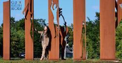 Vorstellung_der_Gedenkmünz,_25_Jahre_Wiedervereinigung,_mit_dem_Denkmal_von_KB_w