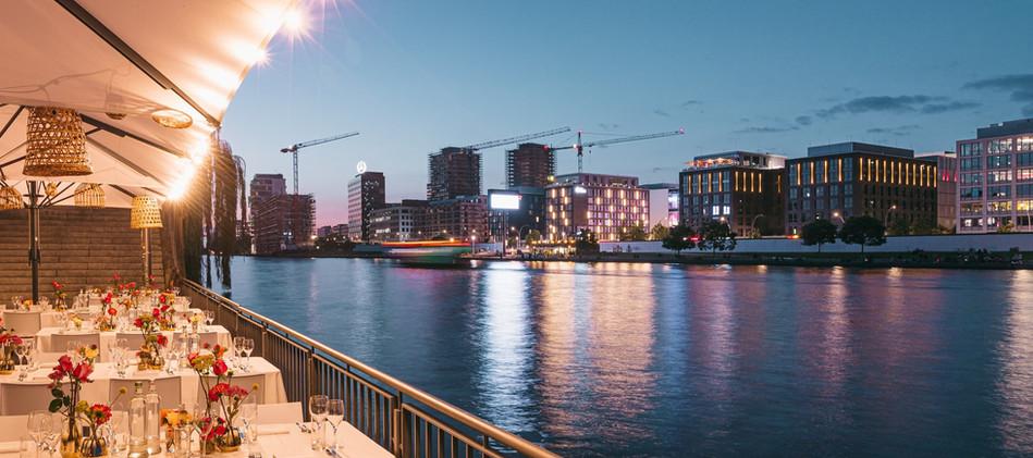 20210901_RIVO_SPREETERASSEN_LOCATION_BERLIN_OFFENBLENDE-MB_183-2_4.jpg