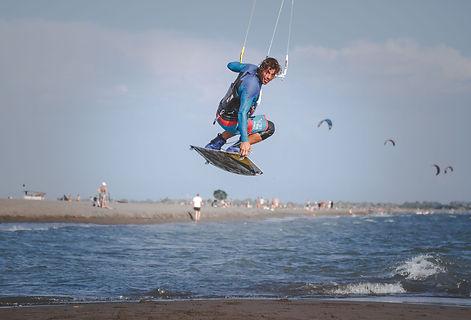Kitesurfing with Yoga in Ulcinj
