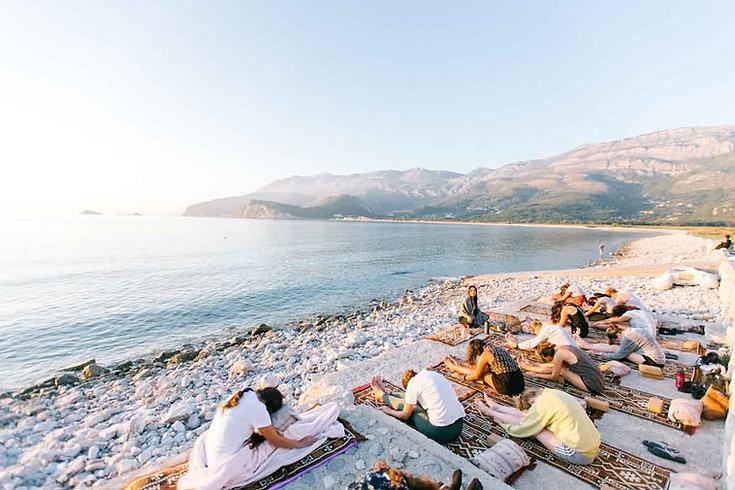 Yoga-retreat-mountains-sea.jpg