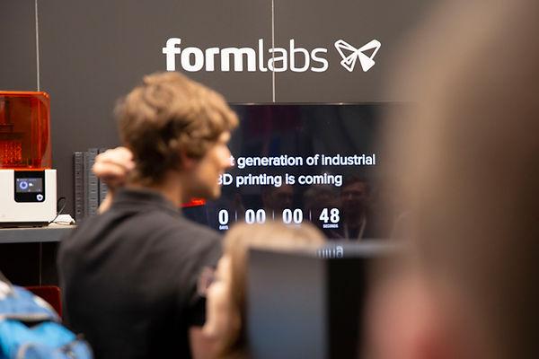 Form 3/Form 3L 発表の写真