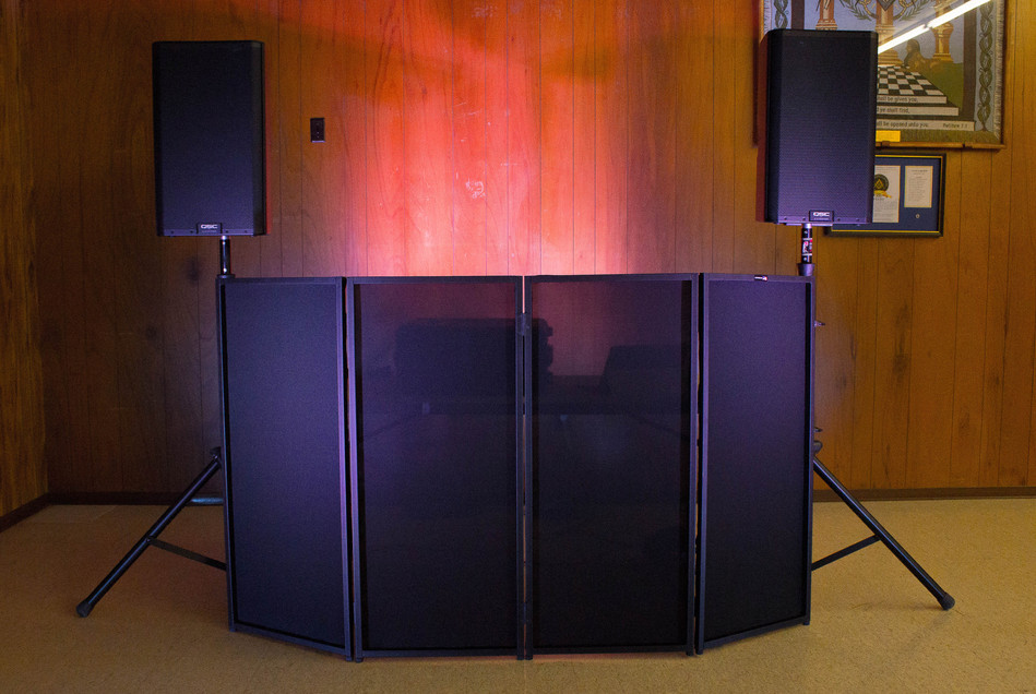 Small Setup with Speaker Stands (1 of 1).jpg