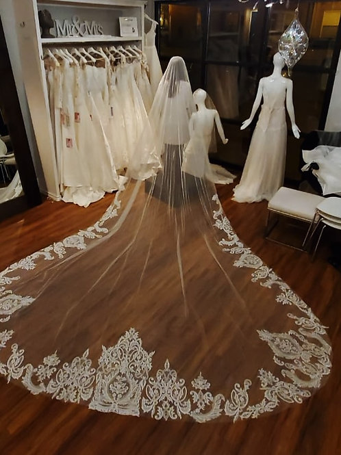 Royal Veil Length - 157 inches long - Royal Collection style 2016