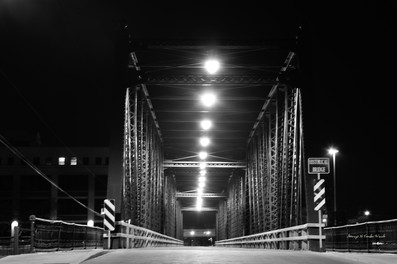 6th St Bridge B&W DSC_4121_710.JPG