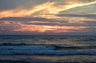 Light surf and sunset DSC_0053.JPG