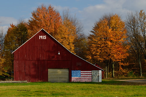 1915 Barn in Fall  Print