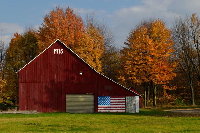 1915 Barn in Fall DSC_2378_601.JPG