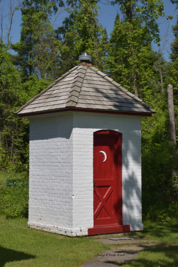 Strugeon Point Outhouse DSC_2785_132.JPG