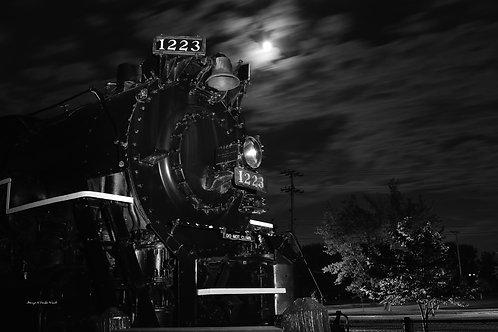 1223 Night Train 4 DSC_2161_387 Standout