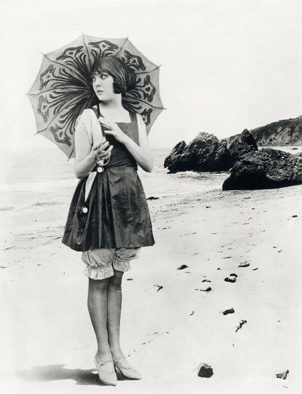 Ms.-Lila-Lee-1920s._thumb.jpg
