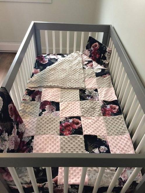 Literie | Bedding | Ensemble courtepointe floral noire