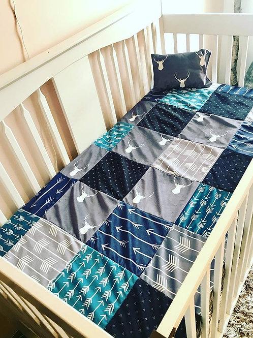 Literie | Bedding | Courtepointe chevreuil bleu