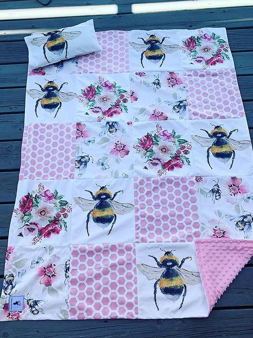 Literie | Bedding | Courte-pointe abeille et fleurs