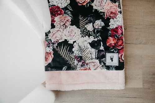 Accessoires   Accessories   Doudou fourrure floral noire