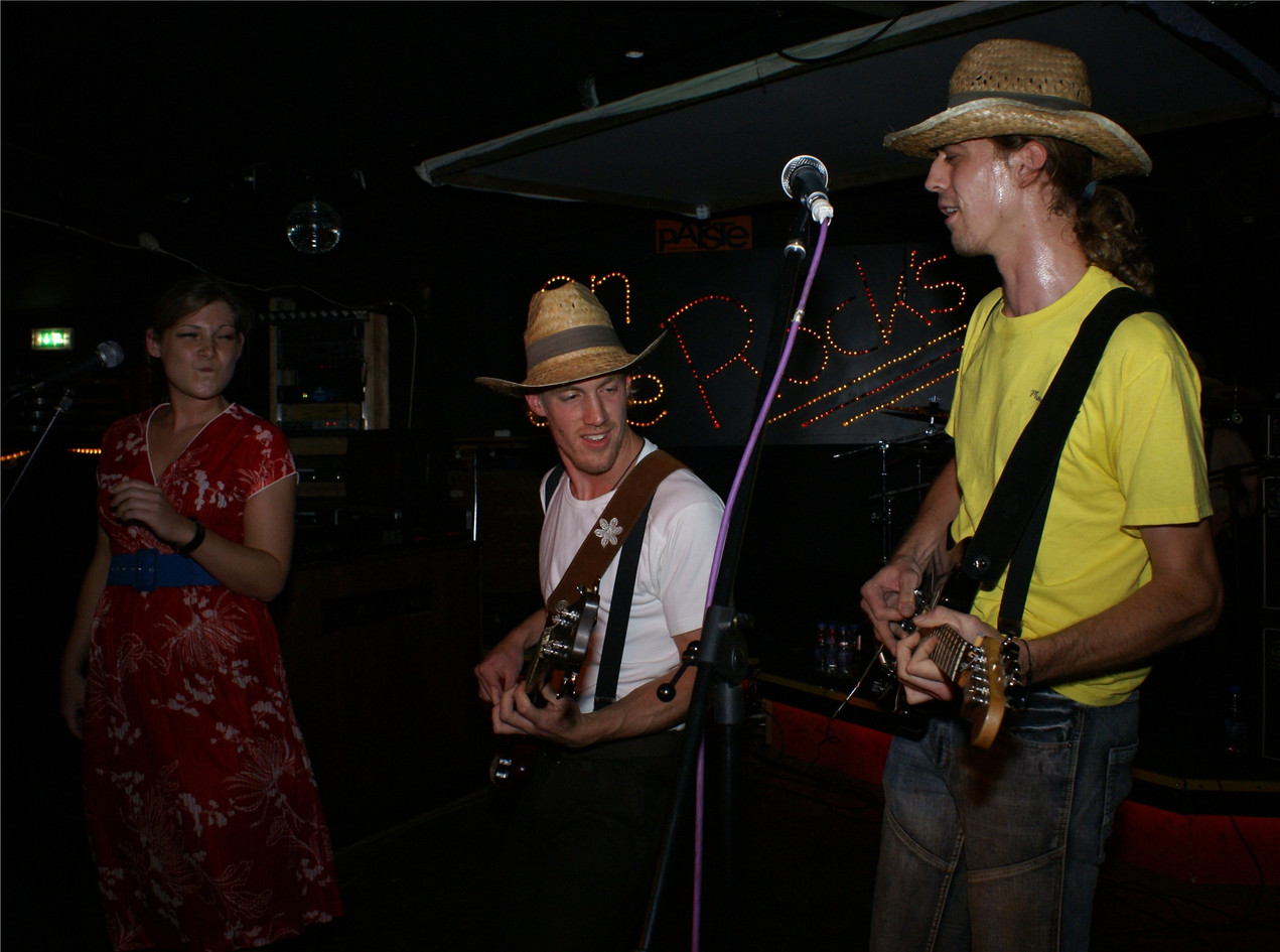 Go Music-Tom`sOnTheRocks_08.Sep.2007.JPG