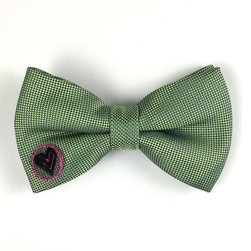 vibrant green - heart circle silk bow