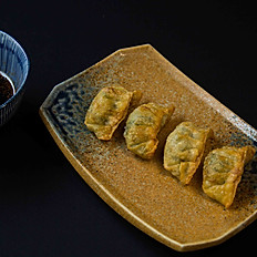 Crispy chicken gyoza