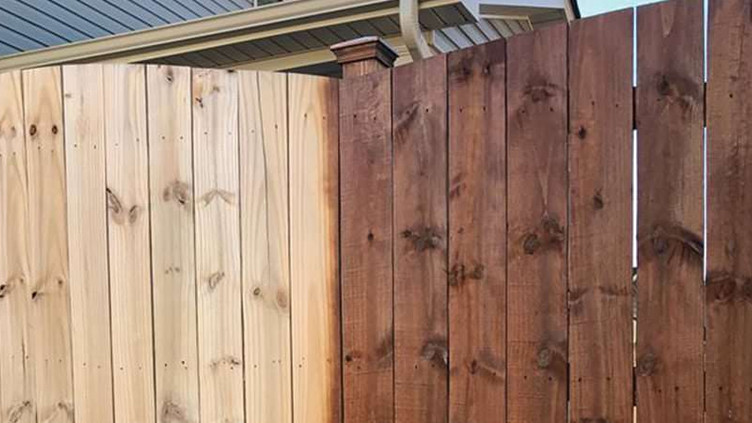 fence-staining-raleigh-nc-850X450.jpg