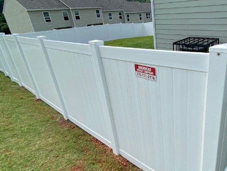 Which is better Vinyl or Wood fencing?