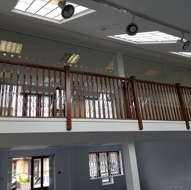 London glass office partitioning