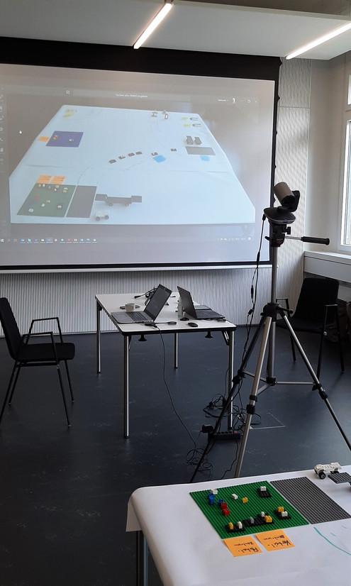 Videokonferenzmaterial für Vergrösserung im Raum