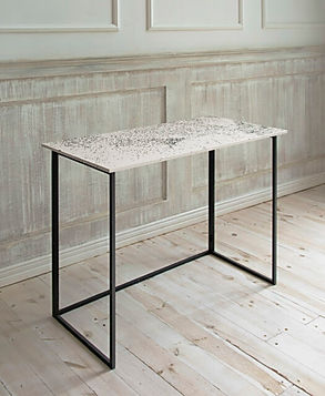 RECYCLED PLASTIC TABLE