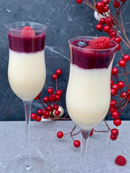Champagnemousse met rood fruit