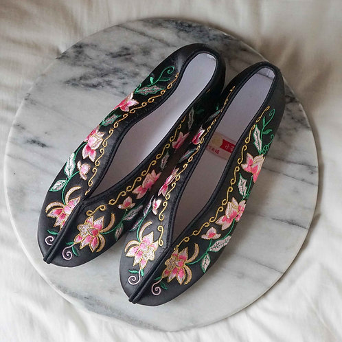【Select Item】Big Flower Embroidery Shoes - Black-