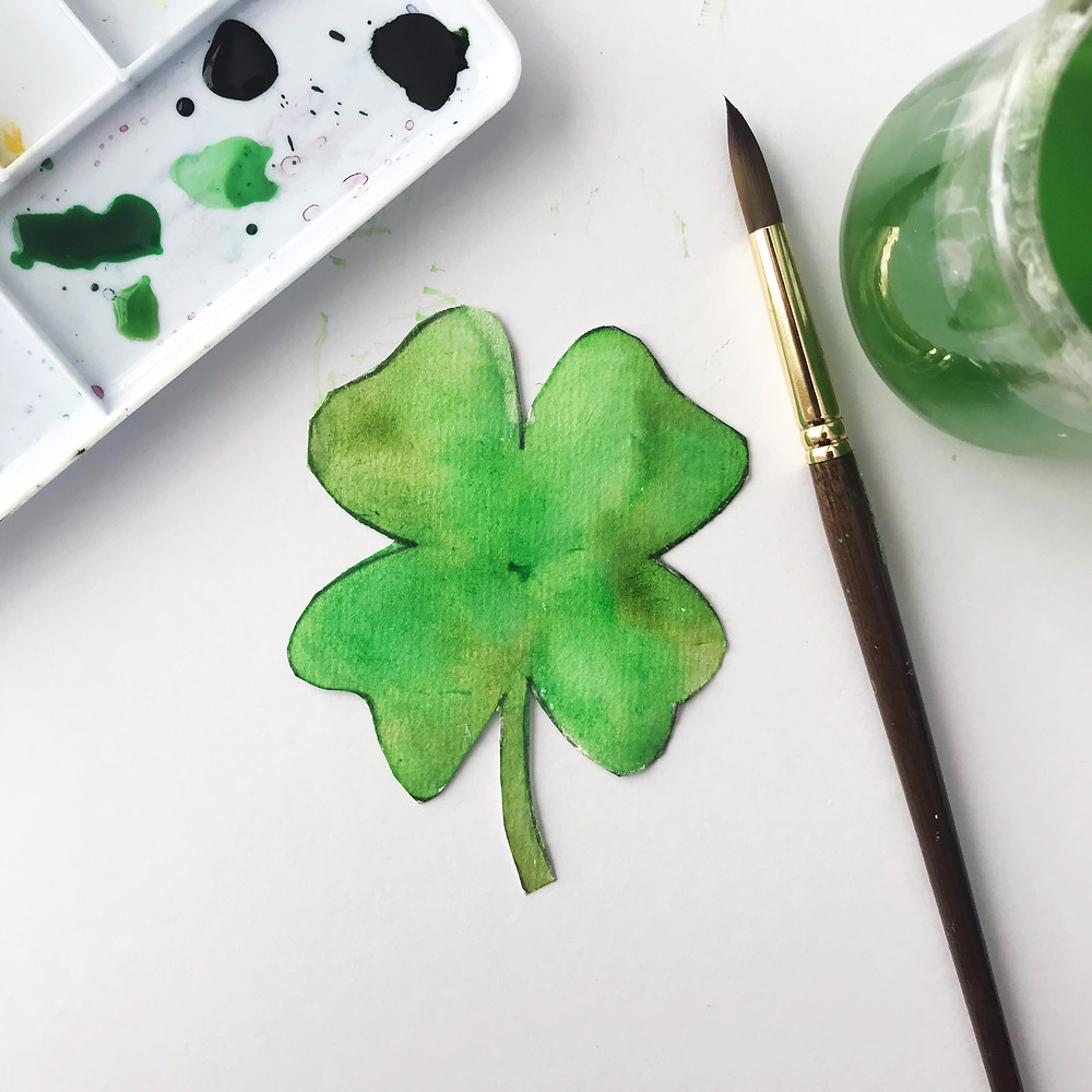 Design your own shamrock using the printable.