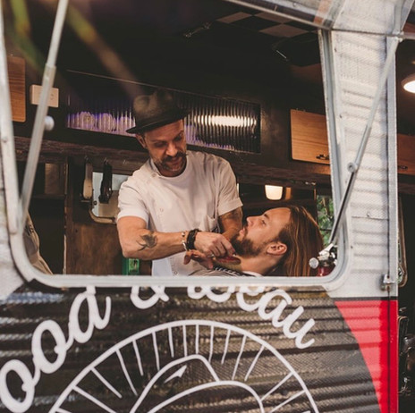 wedding gold coast mobile barber shop.JP