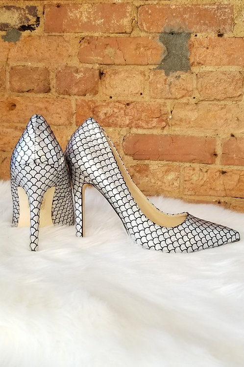 Silver Pointed Toe Metallic Mermaid Stiletto Heel