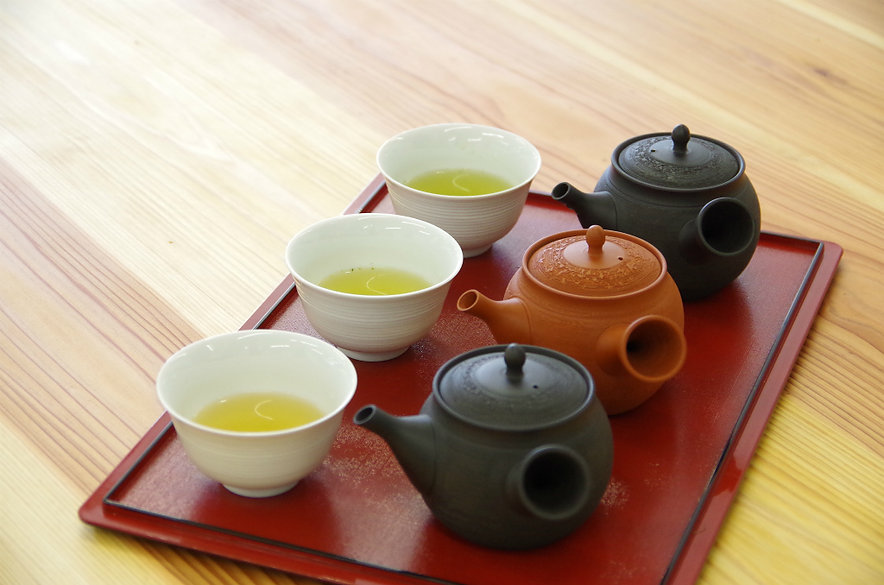 A sencha tasting set of the different cultivars of green tea available in d:matcha Kyoto, Japan.