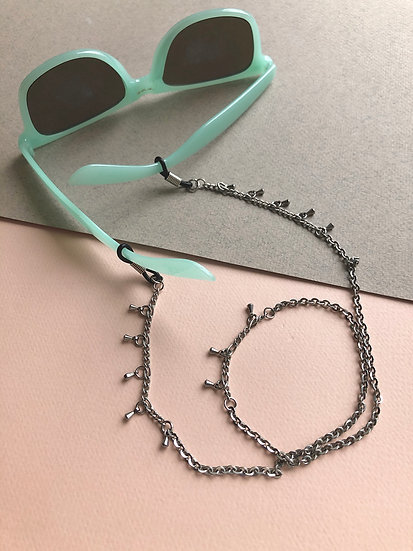 Chaine pour lunettes/masque breloques multiples