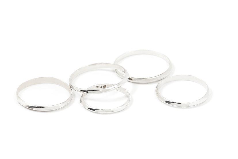Anneau simple en argent / Simple Silver Ring